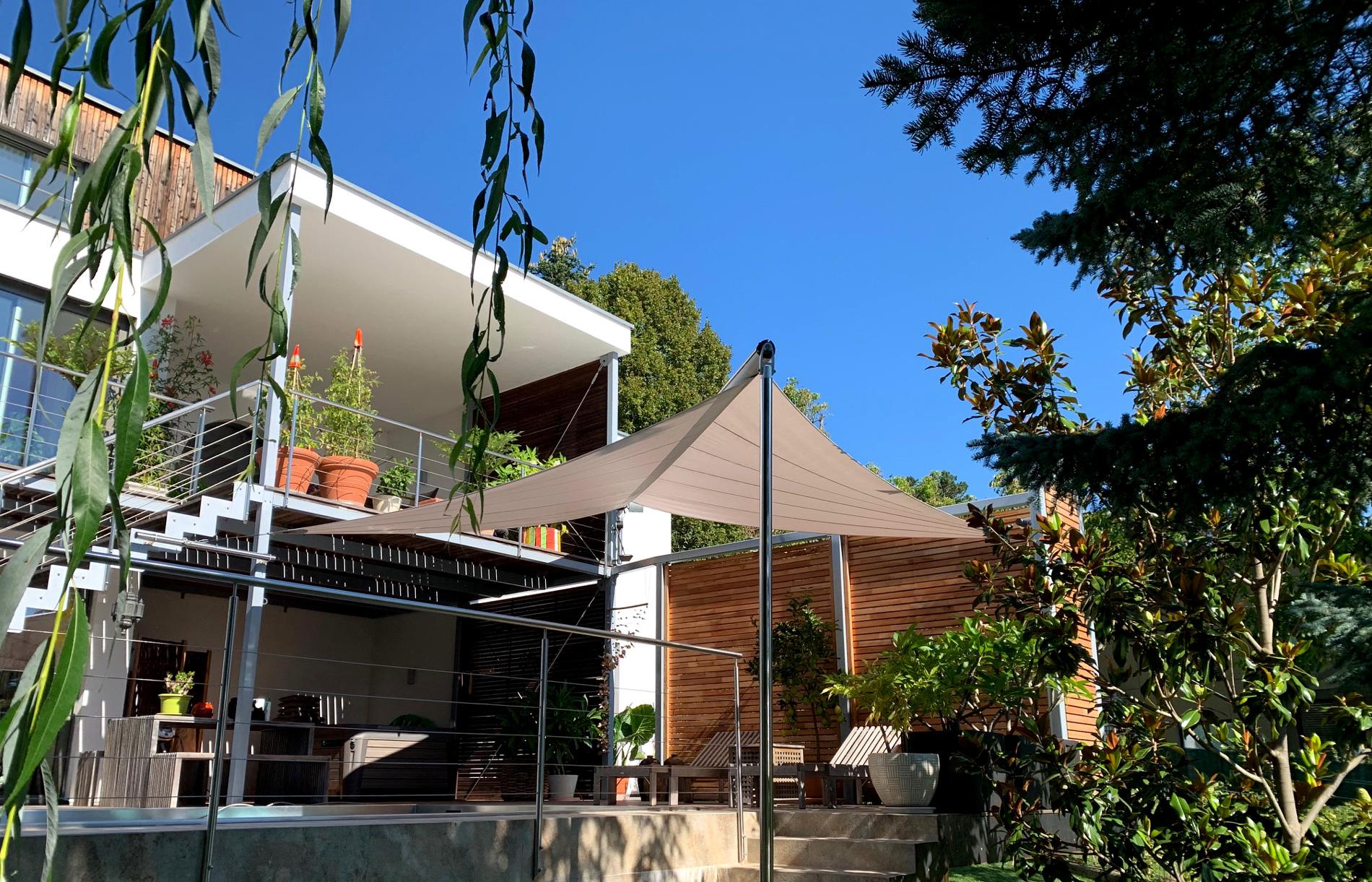 SunSquare Dreiecksegel für die Erweiterung des Wohnbereichs.