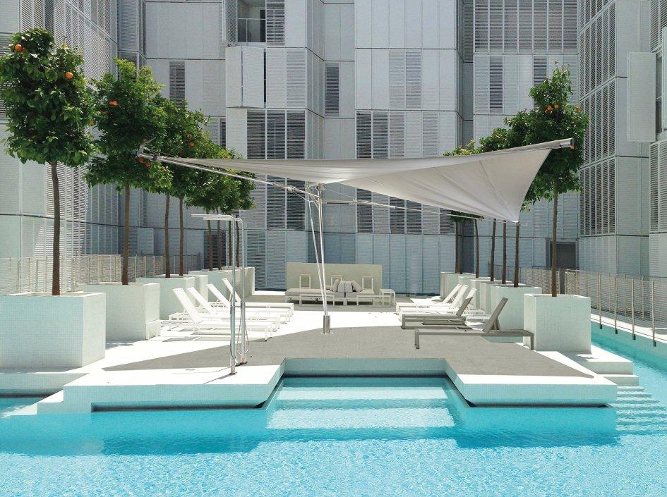 Fold&Roll die perfekte Position am Pool. 270° Drehung möglich