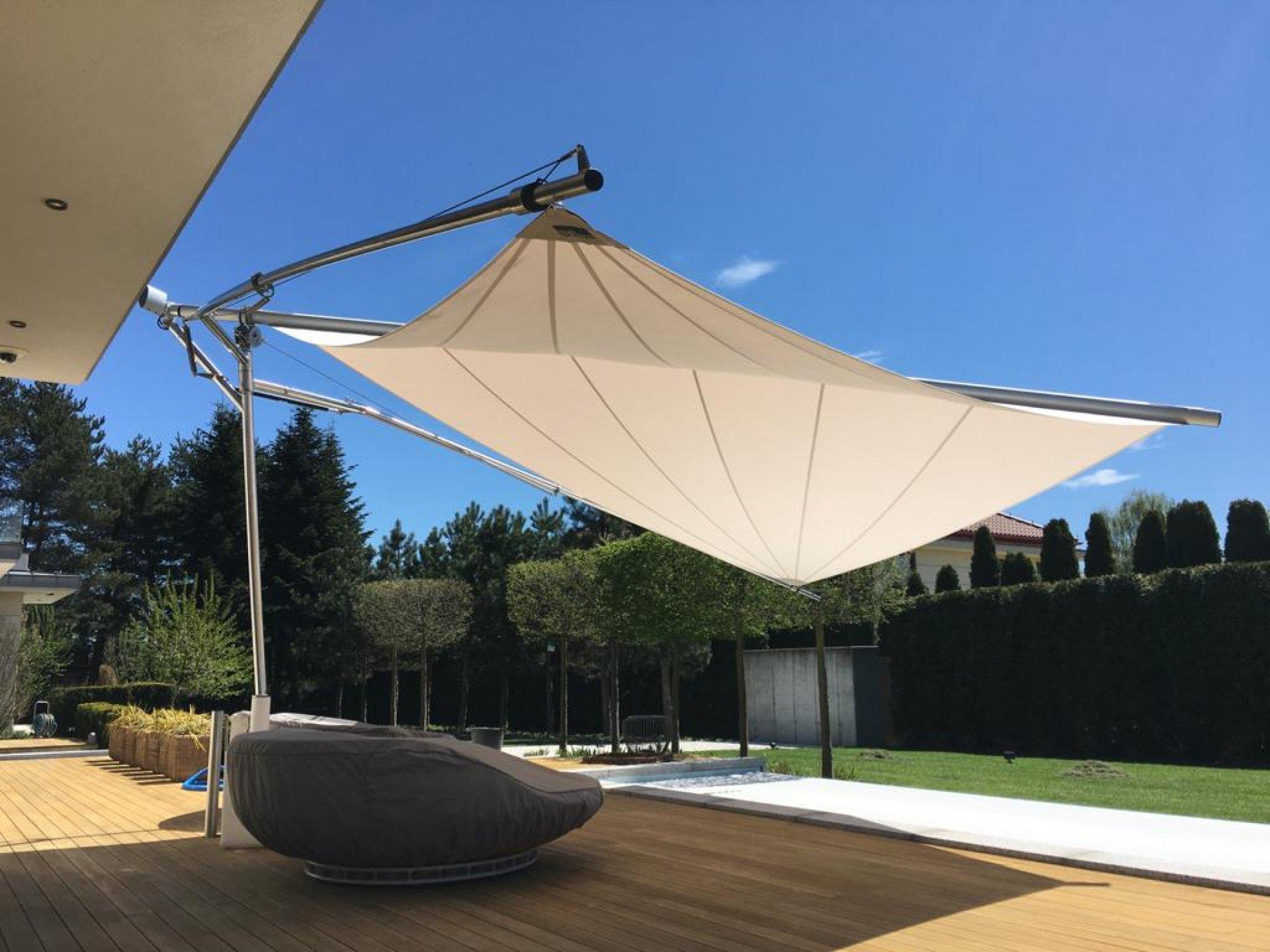 SunSquare Parasol: Fold & Roll
