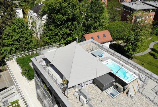 SunSquare Anlage mit drei elektischen Höhenverstellern!