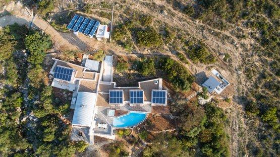SunSquare - vollautomatische Sonnensegelanlagen nach individuellen Bedürfnissen.
