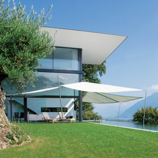 Sunsquare - vollautomatische Sonnensegelanlagen individuell geplant.